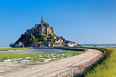 France, Normandy Region, Manche Department, Mont St-Michel, morning