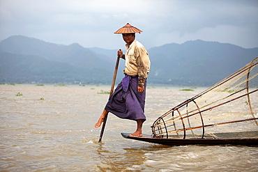 Leg-rower at fisherman, Inle Lake, Shan state, Myanmar, Burma