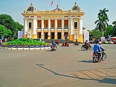 Hanoi Opera House, French Quarter, Hanoi, Vietnam