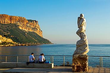 Europe, France, Bouche-du-Rhone, Cassis Statue of Calendal