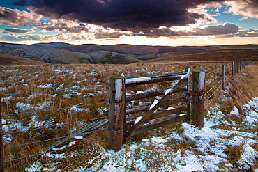 England, Northumberland, Northumberland National Park The Cheviot Hills near Auchope Rig, looking towards the Scottish Uplands