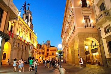 Palazzo del Bo and town hall at night, Padova, Veneto, Italy