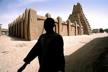 man in the mosque sankore in timbuktu