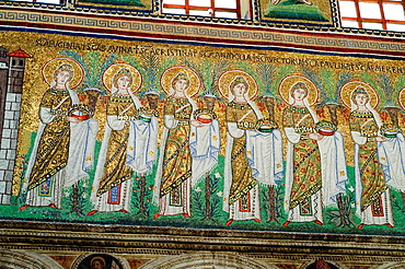 Italy, Emilia Romagna, Ravenna, Sant Apollinare Nuovo Basilica, Mosaic Detail from the Procession of the Saints