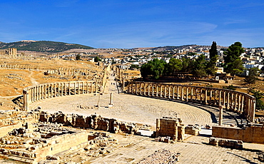 Jerash, Jordan Elevated view of the Oval Plaza and Cardo Maximus.