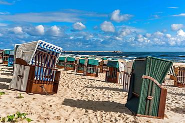Beach chairs at the Baltic Sea beach, Baltic resort Bansin, Usedom Island, County Vorpommern-Greifswald, Mecklenburg-Western Pomerania, Germany, Europe