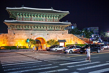 Dongdaemun Gate or Heunginjimun gate, Great East Gate, Seoul, South Korea