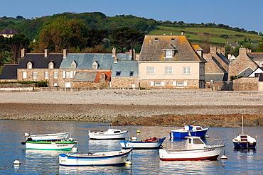 France, Normandy Region, Manche Department, Omonville La Rogue, Le Hable port view