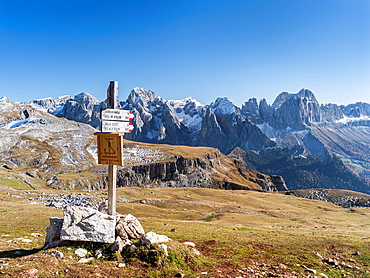Rosengarten also called Catinaccio mountain range in the Dolomites of South Tyrol Alto Adige during autumn seen from mount Schlern The Rosengarten is part of the UNESCO world heritage site Dolomites Europe, Central Europe, Italy, South Tyrol, October