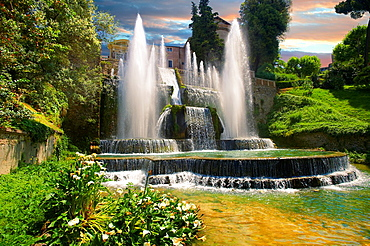 The water jets of the Organ fountain, 1566, housing organ pipies driven by air from the fountains Villa d'Este, Tivoli, Italy, Unesco World Heritage Site