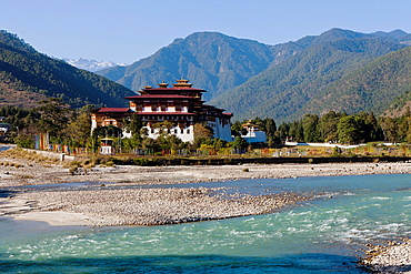 Punakha Dzong situated at the confluence of the Mo and Phu Rivers, Bhutan, Asia.