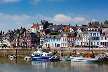 France, Picardy Region, Somme Department, St-Valery sur Somme, Somme Bay Resort town, town view