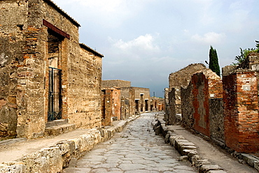 the Way of Abundance, archeological site of Pompeii, province of Naples, Campania region, southern Italy, Europe