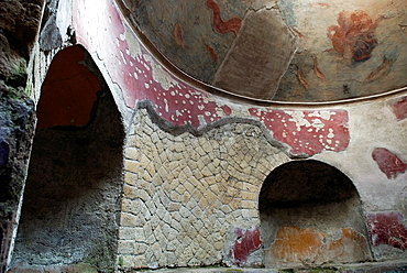 Frigidarium, cold bathroom inside the Thermae for men, archeological site of Herculaneum, Pompeii, province of Naples, Campania region, southern Italy, Europe