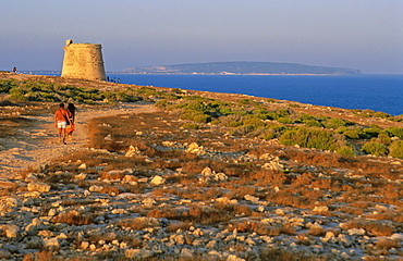 Torre de defensa des Garroveret, siglo XVIII Cabo de Barbaria Formentera