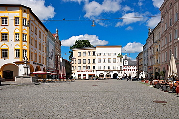 Max-Josefs-Platz with view to Mittertor, town museum, Rosenheim, Upper Bavaria, Bavaria, Germany, Europe