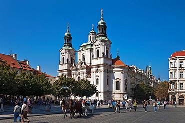 Baroque St. Nicholas Church, build from 1732 to 1735 by the master builder Kilian Ignaz Dientzenhofer, located at Old Town Square, Prague, Hlavni mesto Praha, Czech Republic, Europe