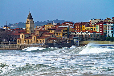 Waves at San Lorenzo beach, Gijon, Asturias, Spain