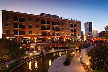 USA, Oklahoma, Oklahoma City, Bricktown, entertainment district, dusk
