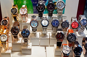 Shopping, Watches, Bayonne, Aquitaine, Pyrenees-Atlantiques, Basque country, 64, France.