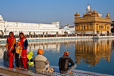 Sikh Pilgrims, The Golden Temple of Amritsar, aka The Harmandir Sahib or Hari Mandir Punjab, India