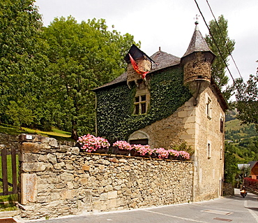 Co de Bastret, Ancient Major House of Unha, Val d'Aran