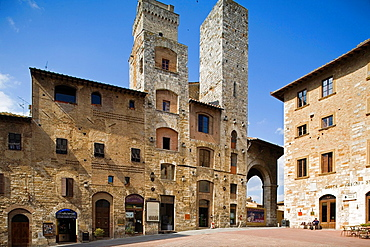 Europe, Italy, Tuscany, San Gimignano, Square Of The Cistern