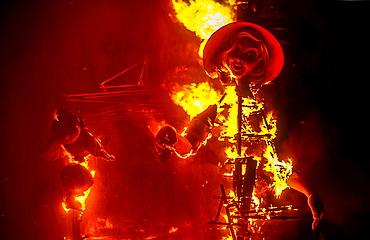 Falla of San Vicente Periodista Azati i Padilla burning,Fallas festival,Valencia,Spain