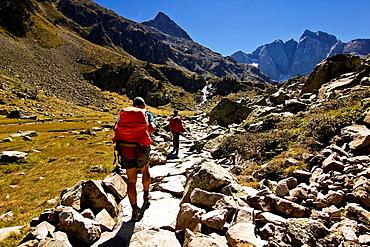 Gaube valley and Vignemale peak, Cauterets, Aquitaine, Hautes Pyrenees, France, Europe
