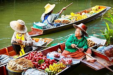 Thailand Floating Market Damnoen Saduak near Bangkok, Bangkok, Thailand