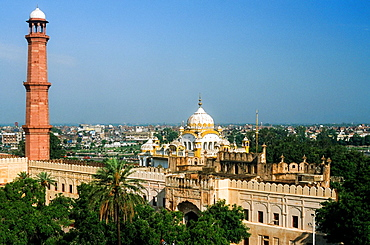 Sikh Temple and minaret of the Badshahi Mosque in Lahore, Pakistan