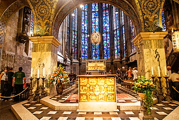 view into the choir, and the golden Shrine of the Virgin Mary, Aachen, Germany