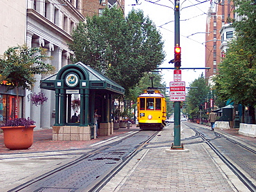 A Memphis, Tennessee antique trolley approaches a downtown station