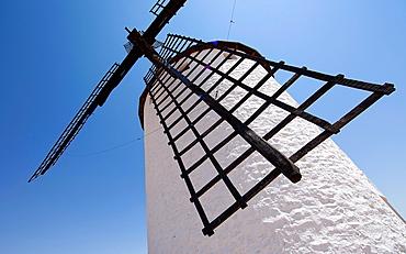 Campo de Criptana, ancient windmills, La Mancha, Spain