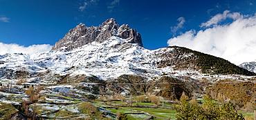 Foratata Peak, Sallent de Gallego, Huesca, Aragon, Spain