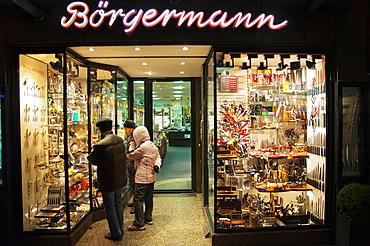 Ba∂rgermann shop specialising in knives and scissors Altstadt the old town Dusseldorf city North Rhine Westphalia region western Germany Europe.