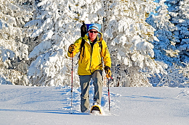 Snowshoeing on Deadline Ridge high above Rock Creek Canyon in the Goose Creek Mountains in southern Idaho