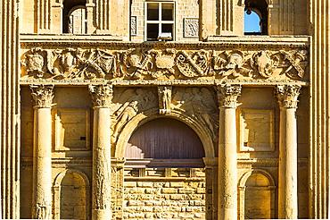 Europe, France, Vaucluse, Luberon, La Tour-d'Aigues. The gate of the castle.