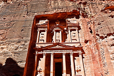 Treasury in petra ruins. jordan.