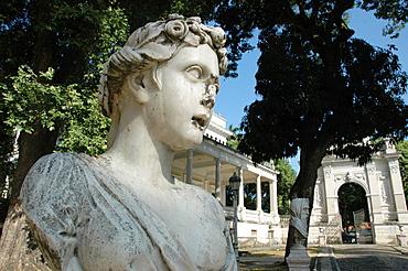 Salvador de Bahia, Bahia, Brazil, statue in a public garden along Avenida 7 de Setembro