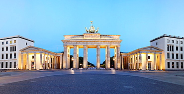 Brandenburg gate panorama at dusk, Berlin