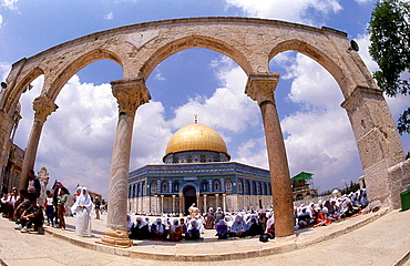 Women pray on the temple mount during Ramadan holiday.