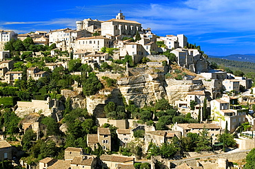 Gordes, Hill Village, view to Gordes, Luberon, Provence, France.