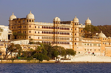 City Palace and Pichola Lake,Udaipur, Rajasthan, india.
