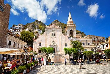 Church of San Giuseppe, Piazza 9 Aprile, Taormina old town, Sicily, Italy.