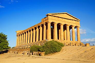 Temple of Concordia, Valley of Temples (Valle dei Templi), Agrigento, Sicily, Italy UNESCO.