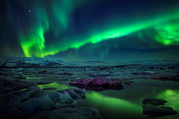 Aurora Borealis or Northern lights at the Jokulsarlon, Breidarmerkurjokull, Vatnajokull Ice Cap, Iceland.