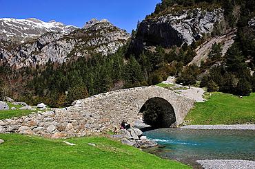 San Nicolas de Bujaruelo bridge, Aragonese Pyrenees. Huesca, Spain