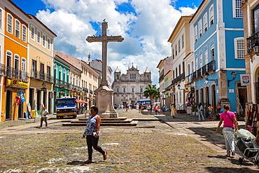 Largo do Cruzeiro do Sao Francisco and cathedral in background, Pelourinho, Salvador, Bahia, Brazil