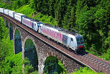 Austrian Federal Railway, oBB, Freight train on the Hundsdorfer viaduct